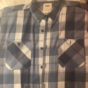EUC Levi's® Men's Short Sleeve Button-Down Shirt
